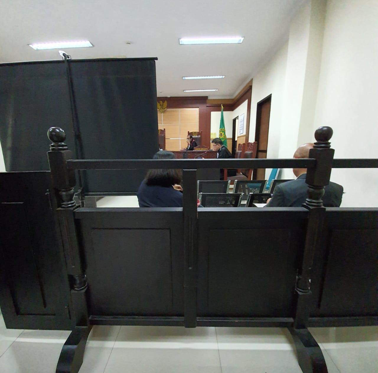 Hakim Lanjutkan Sidang Online Saat Terdakwa Sakit, Kuasa Hukum Ancam Lapor KY