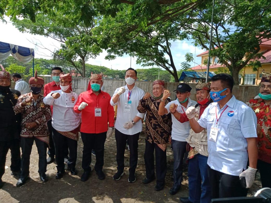 Pertama Nanang – pandu Mendaftar  di KPU Lamsel