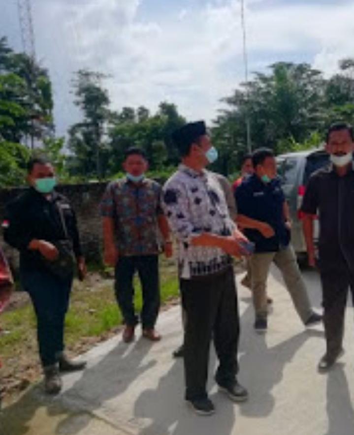 DPRD Lamsel Merasa Kecewa Minta PUPR Bongkar Kerjaan Peningkatan Jalan