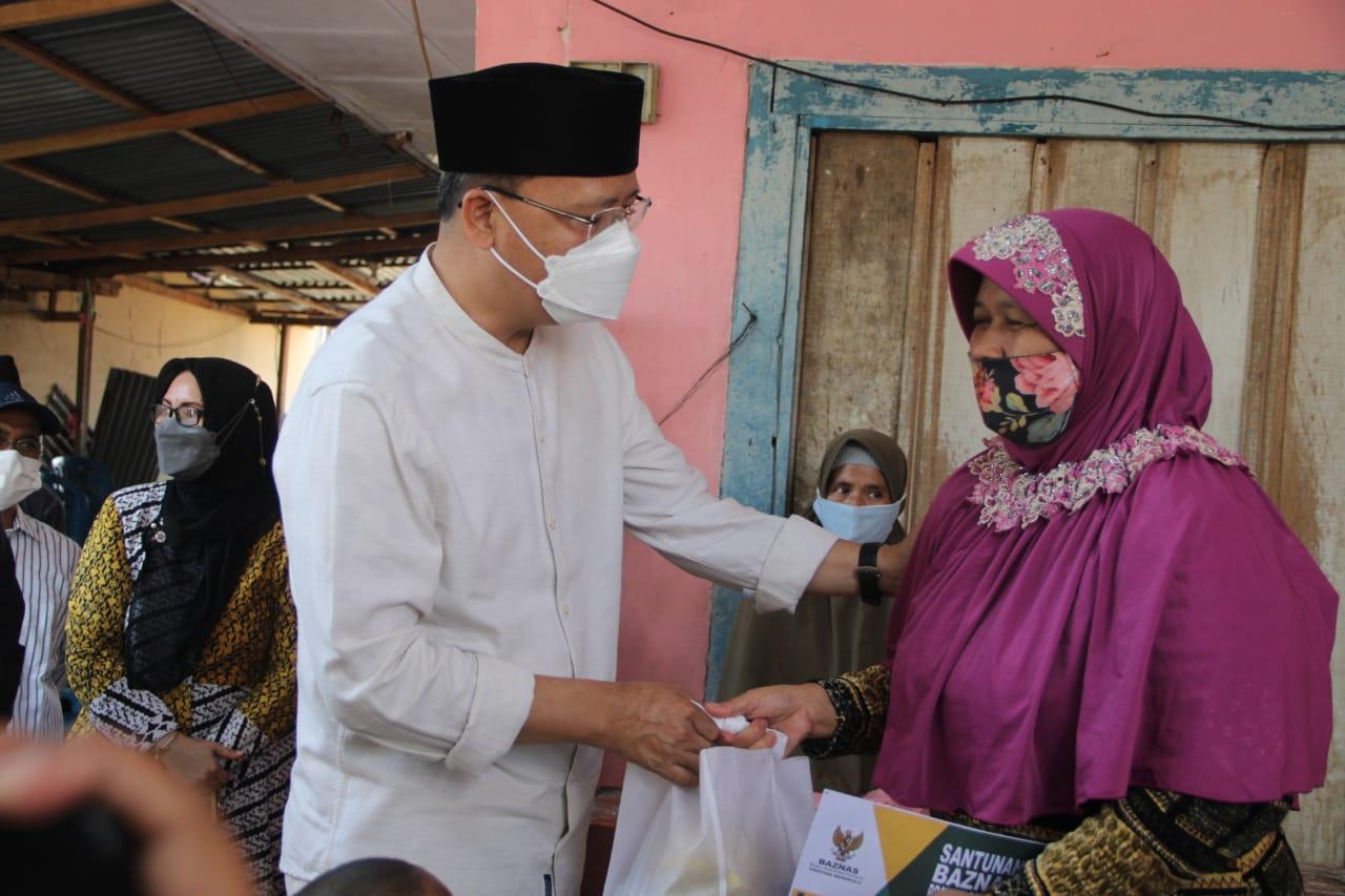 Musibah Kecelakaan Kerja Teknisi PLN, Gubernur Rohidin Sampaikan Tali Asih