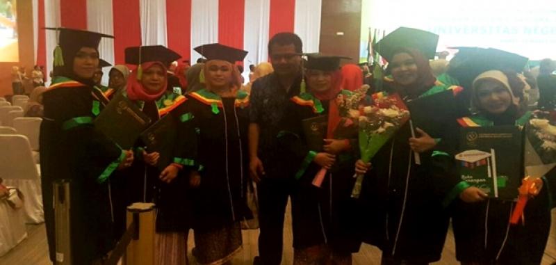 29 Guru PAUD Penerima Beasiswa Bazis Jaktim Raih Sarjana