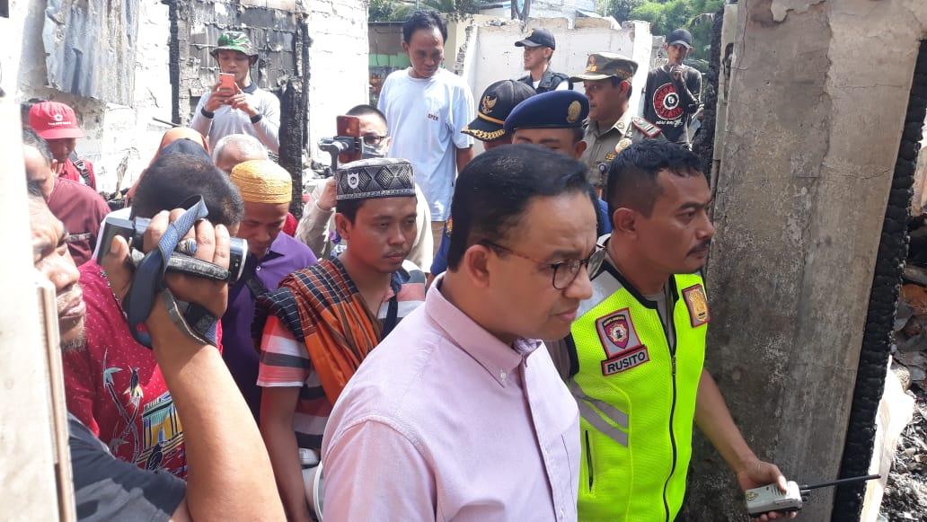 Kunjungi Korban Kebakaran di Cipinang, Anies Jamin Kebutuhan Pengungsi
