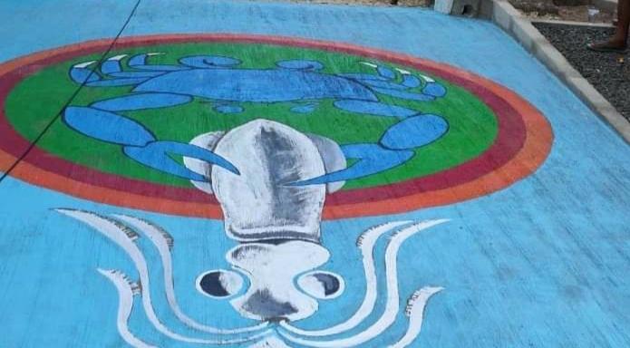 Sambut Pelancong, Mural Cumi Ini Hiasi Pantai Karma