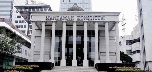 Mafia Peradilam Bayang-Bayangi Mahkamah Konstitusi