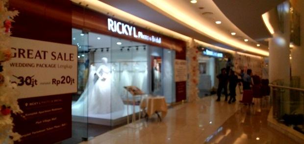 Di Tengah Persaingan Ketat, Ricky L Launching Bridel Walk dan Shanghai Bride